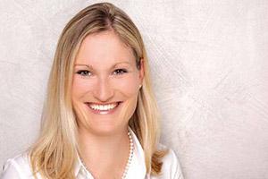 <b>Julia Böhm</b>, Diplom-Kauffrau (Univ.) - Geschäftsleitung - jb